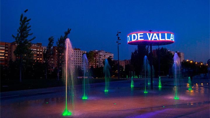 Las fuentes de la Plaza del Milenio iluminadas por Philips Lighting