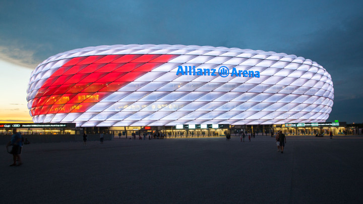 Nueva facahada en Allianz Arena, Munich, German